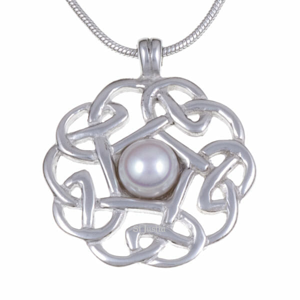 Pearl pentagon knot pendant