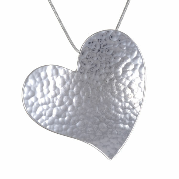 Heartbeat – beaten heart pendant on snake chain