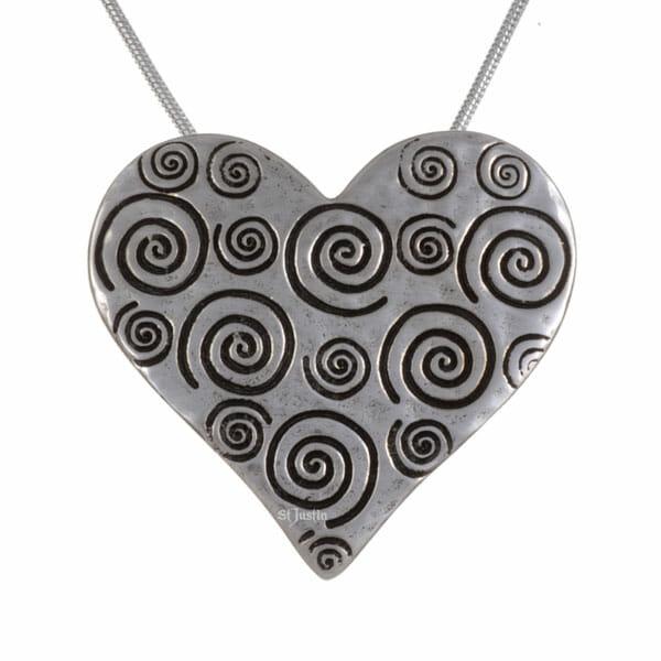 Swirls & twirls heart pendant