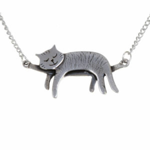 Sleeping cat necklace – 16.5″