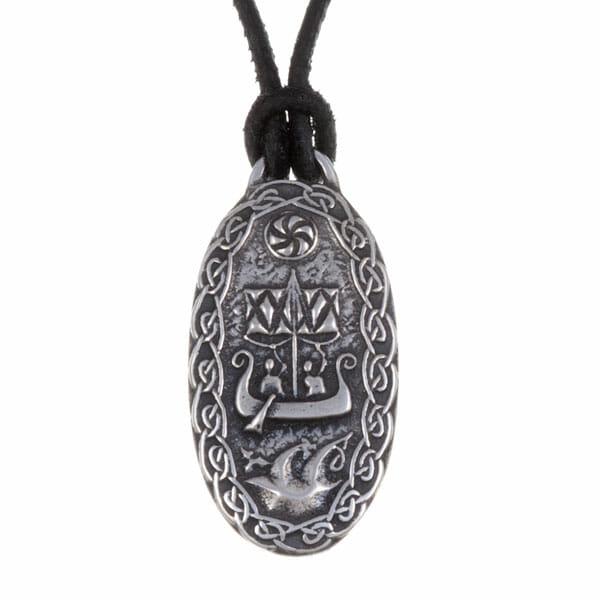 Traveller's charm pendant