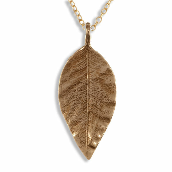 Pointed leaf bronze pendant