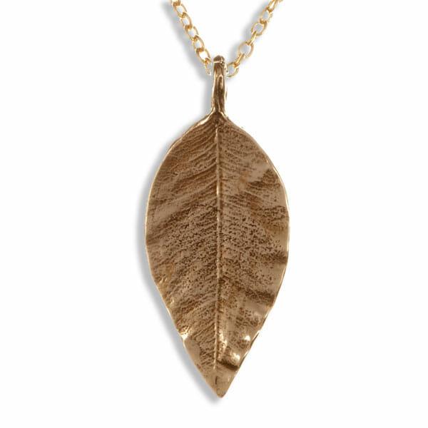 Pointed leaf bronze pendant