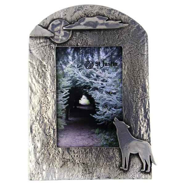 Pewter howling wolf picture frame