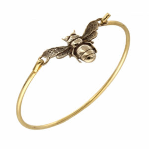 Bronze Bee clip bangle – A gold-plated brass clip bangle with a solid bronze bee as a centrepiece