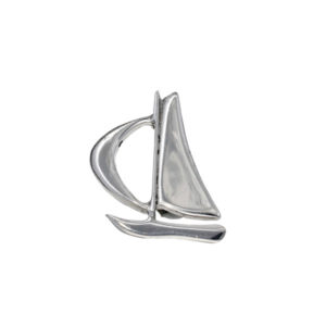 Sail boat brooch – A lovely polished pewter sailing boat. Secures to garment by way of a pin with locking, safety catch.